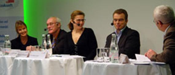 Eva Emenlauer-Blömers, Dirk Böndel, Rosemarie Wirthmüller, Heinz Buri, Moderator Alfred Eichhorn (v.l.)
