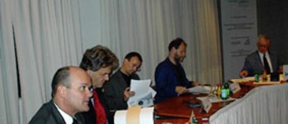 Dr. Michael Rummel, DaimlerChrysler Service-Mobility Management; Wolfgang H. Steinicke FAV Berlin; Dr. Frank Straube, Zentrum für Logistik und Unternehmensplanung (ZLU); Michael Cramer, MdA, Bündnis 90/Die Grünen; Moderator: Alfred Eichhorn, inforadio