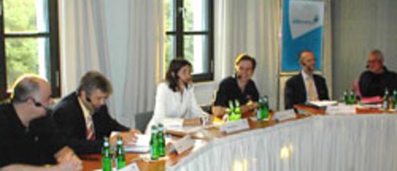 Bernd Ruschinzik, Verbraucherzentrale Berlin; Peter Rietsch, Berlikomm GmbH; Friederike Behrends, Bild.T-online AG; Alexander Samwer, Jamba AG;