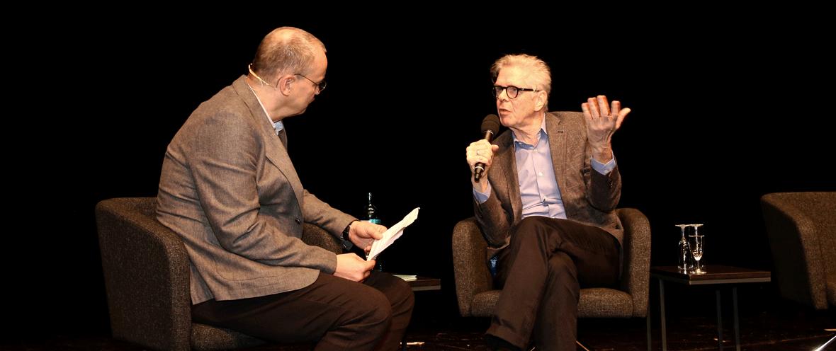 Moderator Knut Elstermann (l.) mit Heinrich von Berenberg vom Berenberg Verlag © Gundula Giese